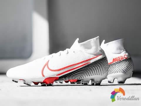 全新武器:耐克Future Lab II足球鞋套装发布