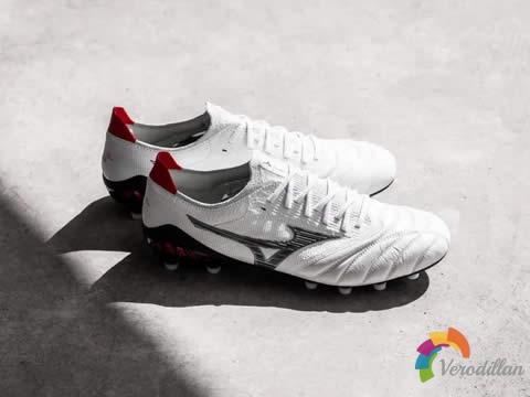 延续袋鼠皮传统:美津浓Runbird DNA足球鞋套装
