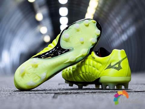 [球鞋近赏]美津浓全新Robotic Pack足球鞋套装