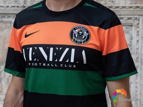 大胆创新:威尼斯2020/21赛季主场球衣
