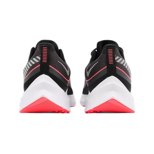 耐克CU3001 ZOOM WINFLO 6 SHIELD男子跑步鞋图3高清图片