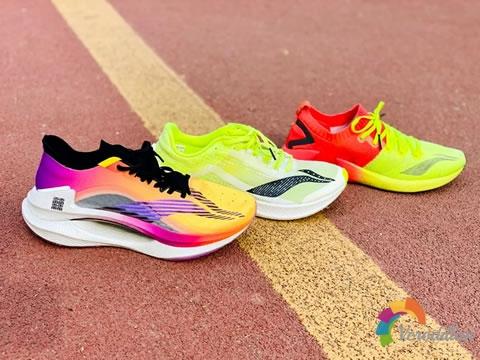 实力不容小觑:李宁三大碳板跑鞋之追风,飞电,绝影