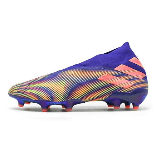 阿迪达斯EH0761 NEMEZIZ+ FG男子足球鞋图1高清图片