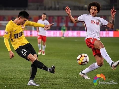 足球比赛中有什么方法限制对手边路传中战术