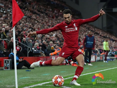 足球技术:角球的几种踢法及技术要领图3