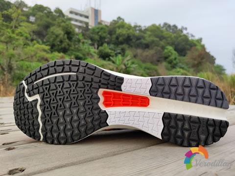 运动风十足:李宁赤兔4代跑鞋怎么样图3