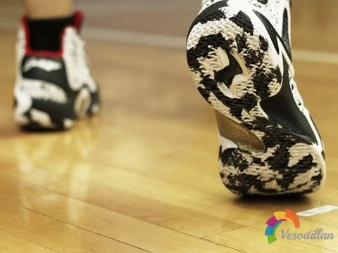 [实战测评]李宁幻影篮球鞋怎么样图2