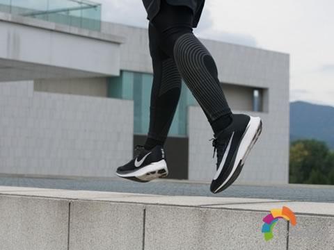 [上脚测评]Nike Zoom Fly,一双充满革新性的专业跑鞋