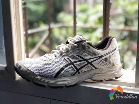 [性能测评]亚瑟士Gel-Flux 4跑鞋,训练出街两不误