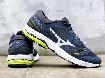 美津浓次顶级跑鞋型号价格(最新版)