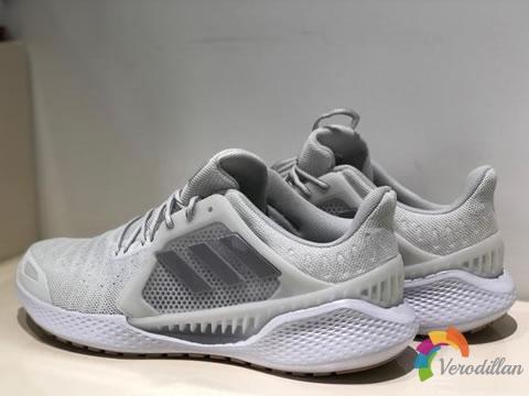 [实战体验]阿迪达斯2020款清风跑鞋怎么样