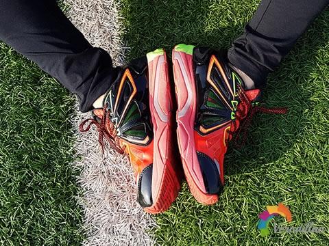 [上脚测评]李宁烈骏智能支撑跑鞋怎么样