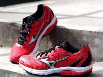 美津浓红色跑鞋型号价格(最新版)